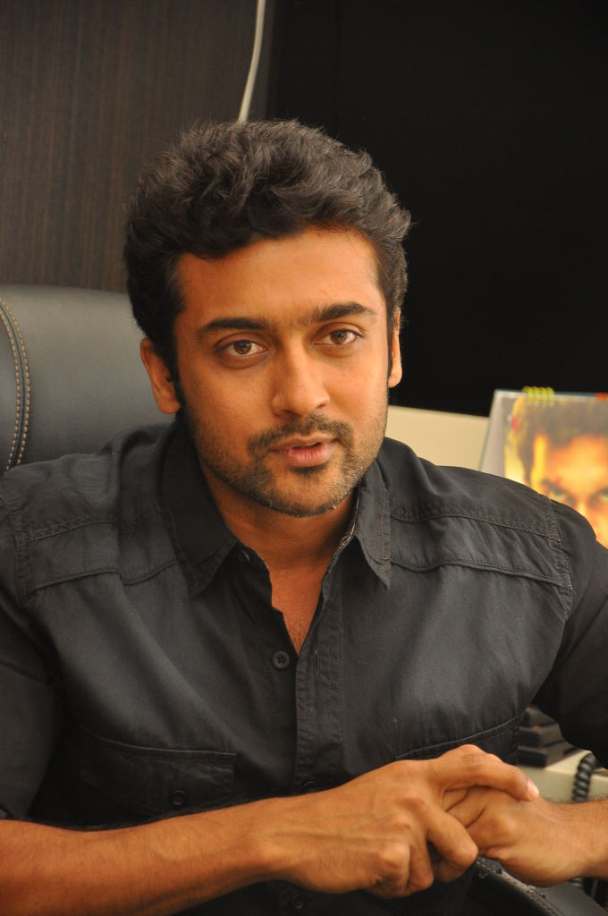 Surya Latest Stills (Singam)
