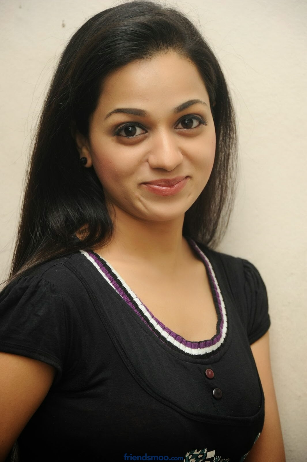 Actress Reshma Photos in Black T-Shirt
