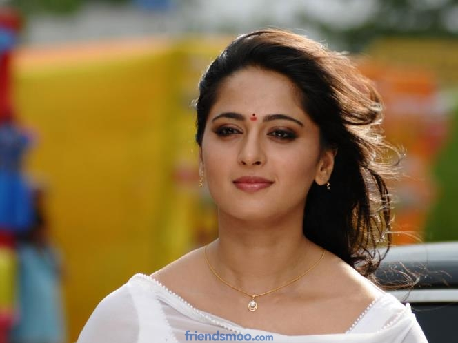 Anushka has to increase 20 Kg weight