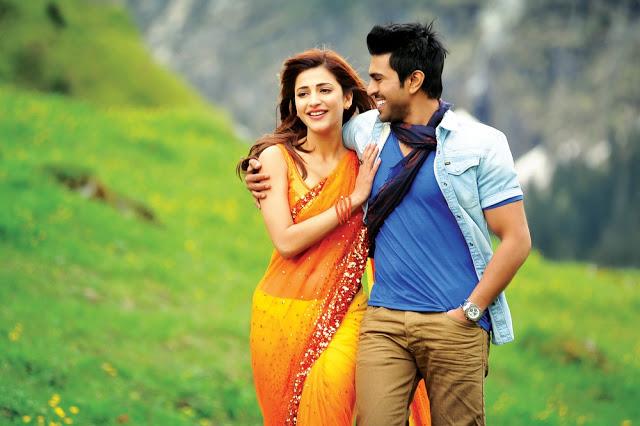 """Shruti Hassan Saree Look in Yevadu Movie """"Nee Jathaga"""" Promo"""