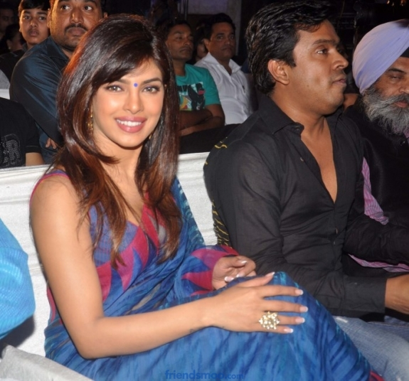 Priyanka Chopra Latest Hot Photos in Saree