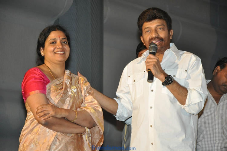 Rajasekhar and Jeevitha sells flat to clear debts
