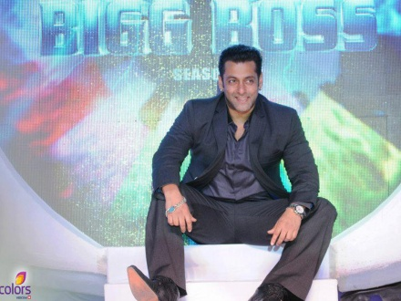 Salman Khan puts his rival out of picture to return as the host of the TV show
