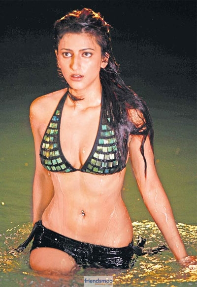 Shruti Hassan Hot and Unseen Pics